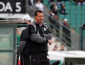 Abel Ribeiro, auxiliar-técnico interinamente no cargo de treinador do Figueirense (Foto: Luiz Henrique, divulgação / FFC)