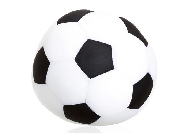 Almofada microperola bola de futebol, Etna, 20 cm, R$ 49,99 (Foto: Divulgação)