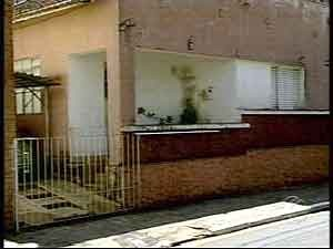 Crime ocorreu na casa da vítima na noite de sábado (25) (Foto: Reprodução/TV Integração)