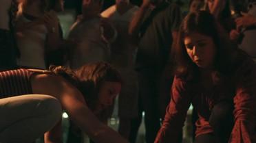 Luana socorre Júlia após o atropelamento