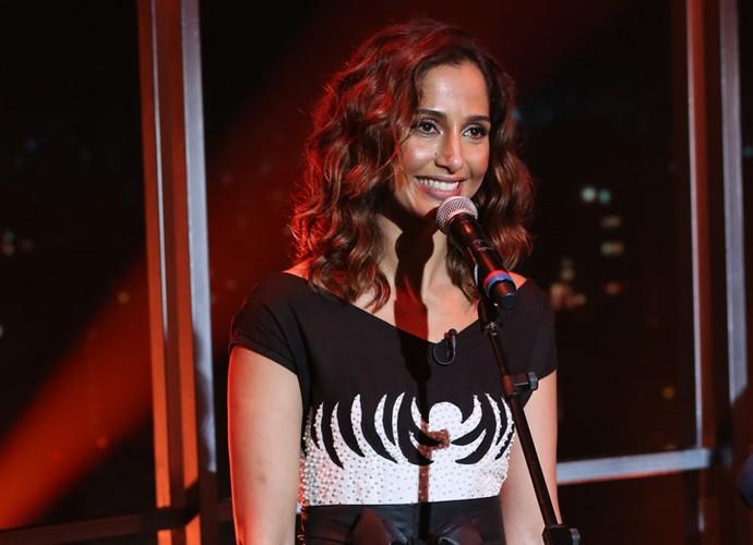 Camila Pitanga participa da gravação do Programa do Jô (Foto: Carol Caminha/Gshow)