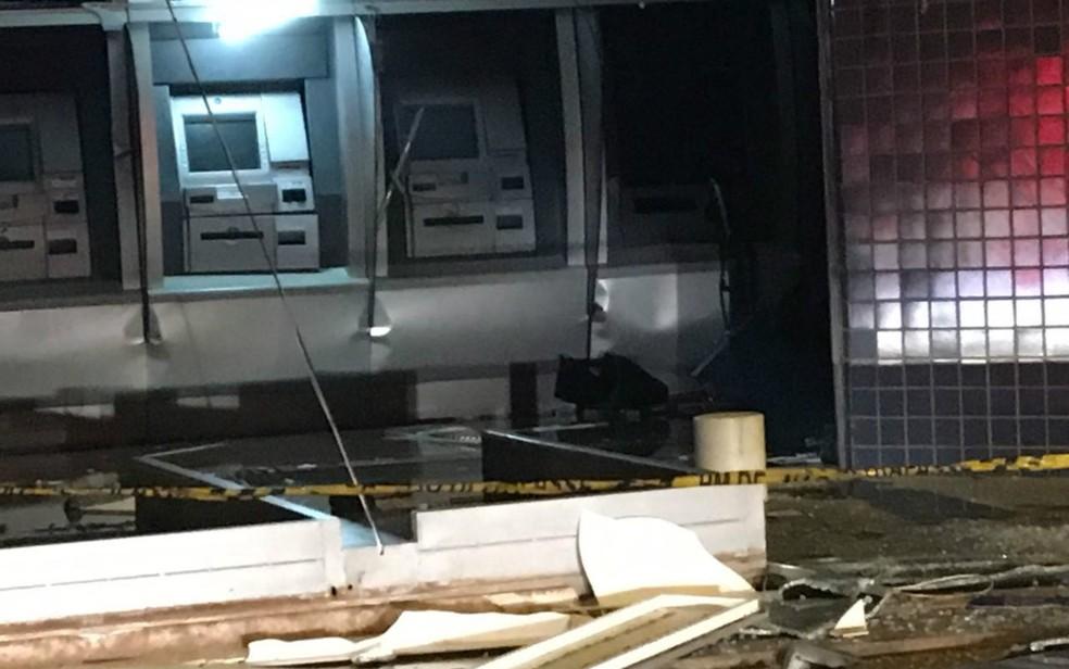 Caixa eletrônico do BRB no Recanto das Emas alvo de ataque de criminosos (Foto: PMDF/Divulgação)