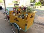 Empresários criam 'floricultura bike' para vender e entregar flores em SP