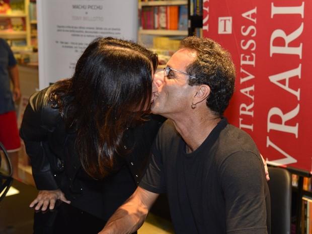 Malu Mader e Tony Bellotto em lançamento de livro no Rio (Foto: André Muzell/ Ag. News)