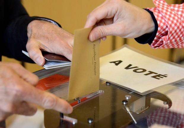 Franceses nos EUA votam nas eleições presidenciais (Foto: Mike Theiler/Reuters)