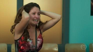 Nanda se desespera com a morte de Filipe