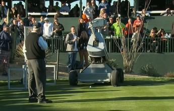 "Robô que leva nome de Tiger Woods consegue ""hole-in-one"". Veja a jogada!"