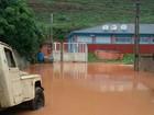 Chuva forte deixa ruas alagadas em municípios do Sul do ES