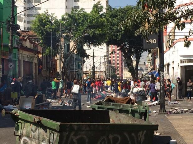 Logo após operação, fluxo voltou à Cracolândia (Foto: Paula Paiva Paulo/G1)