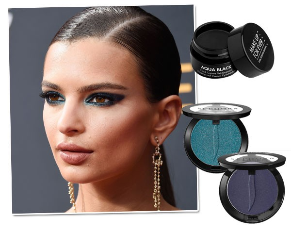 Copie o make de Emily Ratajkowski: Sombra Make Up For Ever Cremosa Aqua Black, R$ 119/ Sombras Sephora Colorful, cores curação punch e sailor kiss, R$ 51 (cada) (Foto: Getty Images/Divulgação)