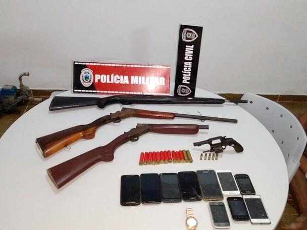 Armas encontradas com quadrilha foram recolhidas nesta quinta-feira (19) (Foto: Diógenes Fernandes/Polícia Civil da Paraíba)