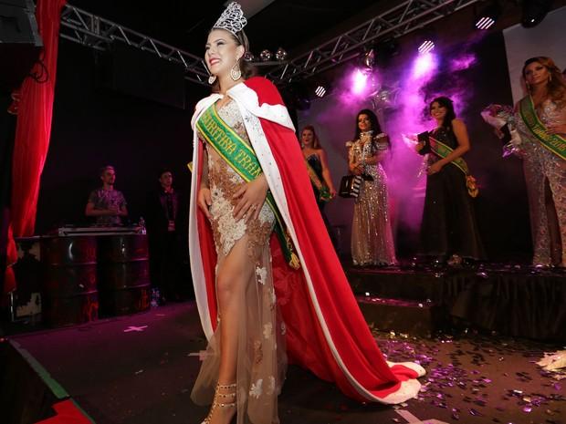 Patrícia Veiga, de 20 anos, foi eleita a nova Miss Curitiba Trans (Foto: Giuliano Gomes/PR Press)