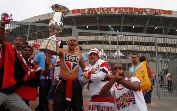 Torcedores São Paulo Morumbi Sul-Americana (Foto: Gustavo Tilio / Globoesporte.com)