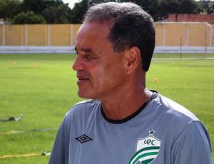 Roberval Davino treinador do Luverdense (Foto: Assessoria/Luverdense Esporte Clube)