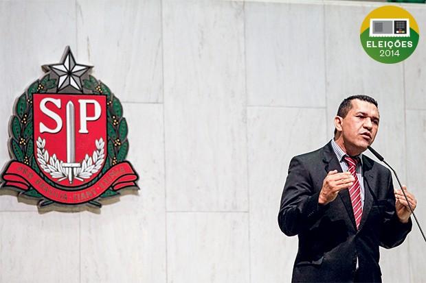 DINHEIRO E LIBERDADE O deputado Luiz Moura. Longe da cadeia, ele acumulou um patrimônio acima de R$ 5 milhões (Foto: Ale Frata/Frame/Folhapress)