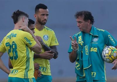 Ninguém sabia até minutos antes da partida de quinta-feira contra o  Cruzeiro qual seria a escalação do Palmeiras contra o Cruzeiro b032d6fb0541a