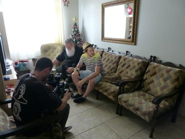 Patrola vai à casa do Papai Noel e mostra a rotina do bom velhinho para os telespectadores da RBS TV (Foto: Divulgação)