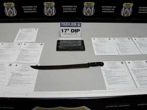 Ao todo, dupla possui mais de oito passagens pela polícia (Foto: Rickardo Marques/G1 AM)