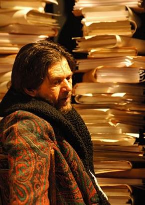 Frateschi acumula as funções de ator, diretor e autor no monólogo (Foto: Divulgação)