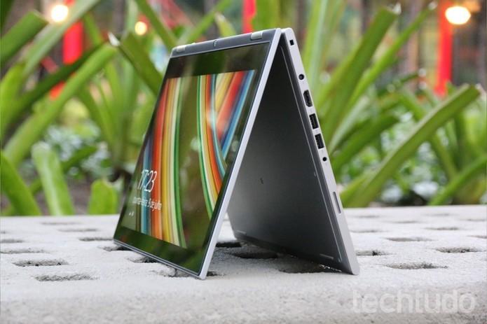 Dell Inspiron 13 7000 possui dobradiças incríveis que permitem o giro de 360º do aparelho (Foto: Zíngara Lofrano/TechTudo)