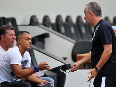 Ex-atacante Dodô iniciou estágio com técnico Dorival Júnior no Santos (Foto: Ivan Storti/Santos FC)