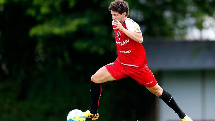 Alexandre Pato São Paulo treino (Foto: Marcos Ribolli / Globoesporte.com)