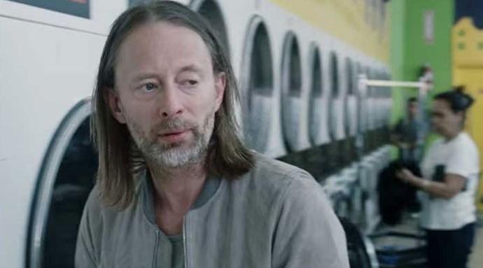 Thom Yorke no clipe de Daydreaming (Foto: Reprodução)