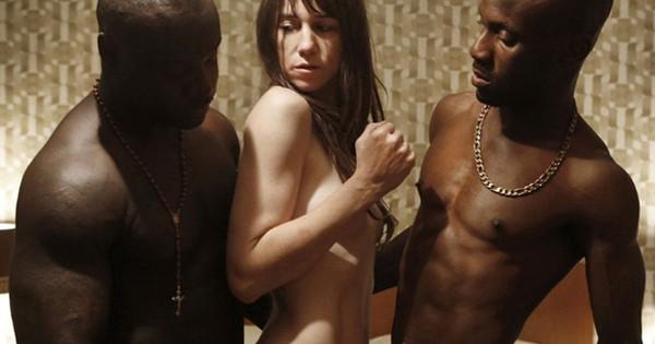 """No filme """"Ninfomaníaca"""", os atores principais convocaram dublês para as cenas reais de sexo (Foto: Reprodução)"""