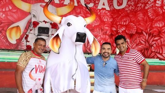 'Paneiro' de férias: Israel Paulain e Oyama Filho são 'tripas' do Boi Garantido por um dia