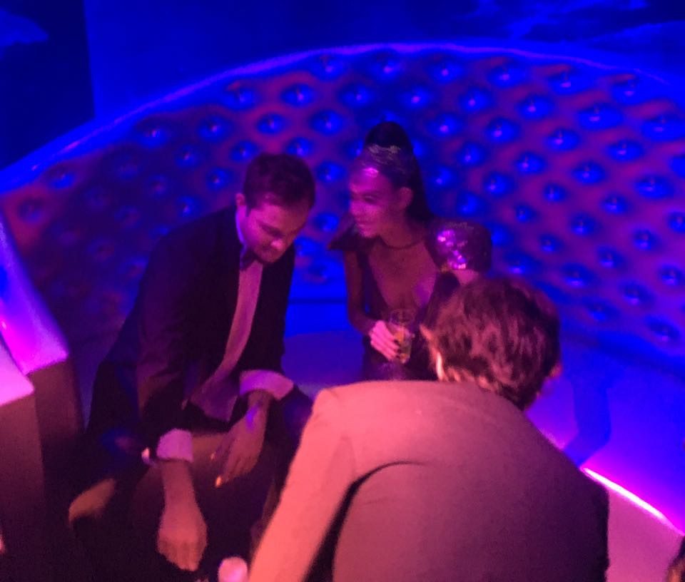 Ed Westwick e Thayla Ayala (Foto: Vogue Online)