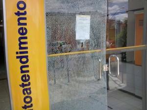 Assalto a banco em Iramaia, na Bahia (Foto: Fabiano dos Santos/Site Binho Locutor)