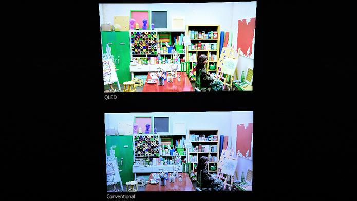 QLED não usa o conceito dos pontos quânticos: mais brilho por toda a área da tela, contraste maior e cores mais precisas. Na imagem, a comparação da TV QLED com uma convencional (Foto: Divulgação/Samsung)