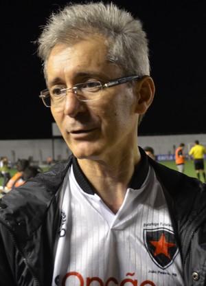 Nelson Lira, no Estádio Almeidão em partida contra o CRB, pela Série C (Foto: Amauri Aquino / GloboEsporte.com)