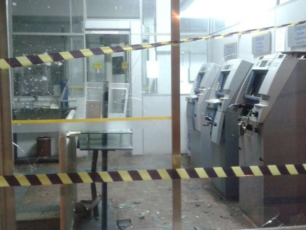 Criminosos usaram explosivos para arrombar equipamento em Maracajá (Foto: PM/divulgação)