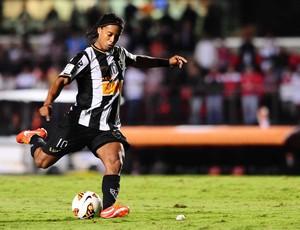 Ronaldinho Gaucho São Paulo x Atlético-MG (Foto: Marcos Ribolli / Globoesporte.com)