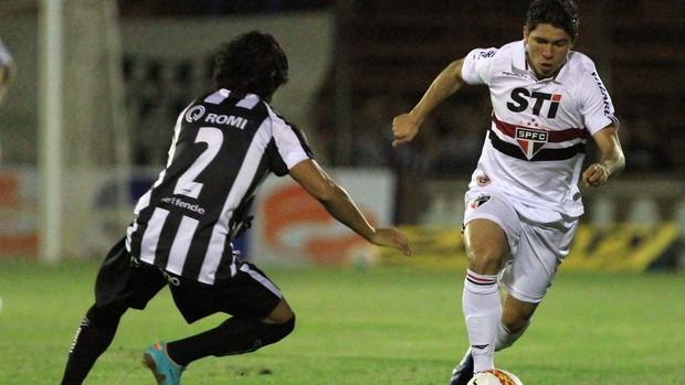 Osvaldo São Paulo x União Barbarense (Foto: Célio Messias / Ag. Estado)