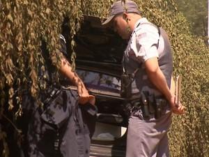 Guarda é baleado após ficar refém durante assalto em Campinas (Foto: Vaner Santos / EPTV)