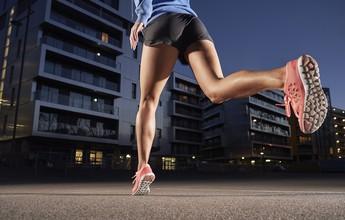 Exagero e postura errada nos treinos causam dor na parte posterior da coxa