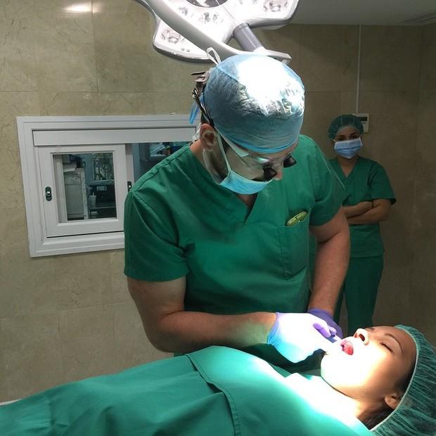 Ex-BBB Ariadna é operada em uma clínica em Málaga, na Espanha (Foto: Instagram/ Reprodução)