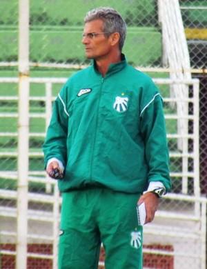 Eugênio Souza deixou a definição da equipe para o último treino (Foto: Divulgação Caldense)