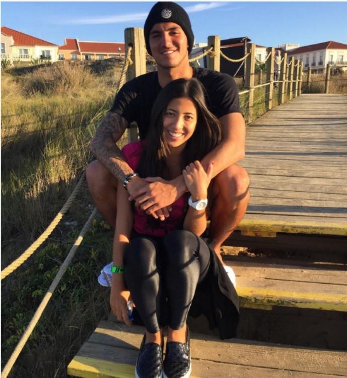 gabriel Medina namorada Tayna Hanada aniversário surfe  (Foto: Reprodução/Instagram)