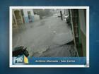 Chuva rápida provoca pontos de alagamentos em São Carlos, SP