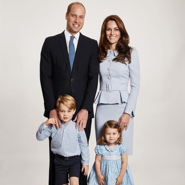 Príncipe William e Kate Middleton com os filhos (Foto: Reprodução)