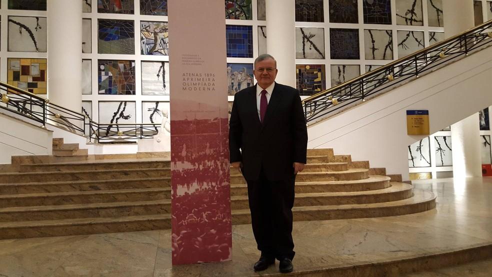 Embaixador Kyriakos Amiridis passava férias no Rio (Foto: Reprodução/Facebook/Grécia no Brasil)