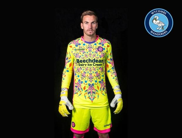 nova camisa de goleiro do wycombe wanderers