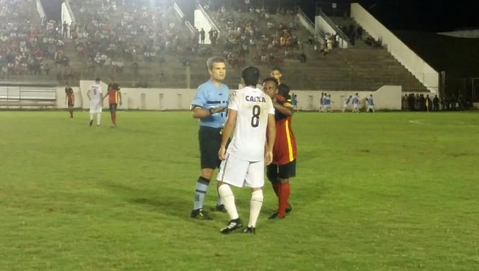 Ítalo Medeiros de Azevedo árbitro Globo FC x ABC (Foto: Jocaff Souza/GloboEsporte.com)