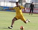Ceará rescinde contrato com zagueiro Marlon