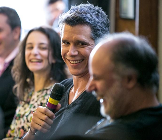 Márcio Garcia sorri durante coletiva (Foto: Isabella Pinheiro / Gshow)