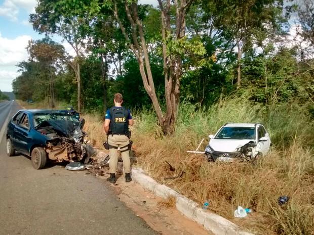 Três pessoas ficaram feridas em acidente na BR-242, em Barreiras (Foto: George José/ Blog Sigi Vilares)