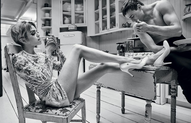 Stella Maxwell encarna uma Edie Sedgwick contemporânea na Vogue de maio (Foto: Giampaolo Sgura)